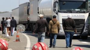 Camioane franceze au blocat traficul spre Calais și au cerut închiderea taberei de imigranți / Foto: Arhiva