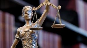 Baroul Bucureşti discută, astăzi, cererea de excludere a lui Ponta din rândul avocaţilor
