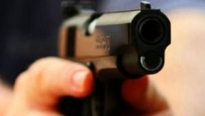Legea armelor se modifică: Polițiștii pot folosi pistoalele din dotare fără să mai răspundă penal