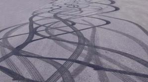 Şofer teribilist, drifturi periculoase într-o intersecţie din Timişoara