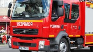 Pompierii au intervenit să stingă focul