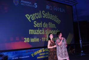 Seri de film, muzică și poezie. Lavinia Șandru l-a lansat pe scenă pe jurnalistul Claudiu Popa