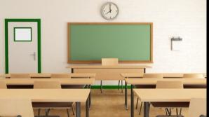 Protest la o şcoală din Piteşti. Elevii refuză să intre la ore. Motivul: un copil cu nevoi speciale