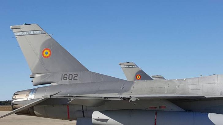 <p>Aeronave F16 Fighting Falcon</p>