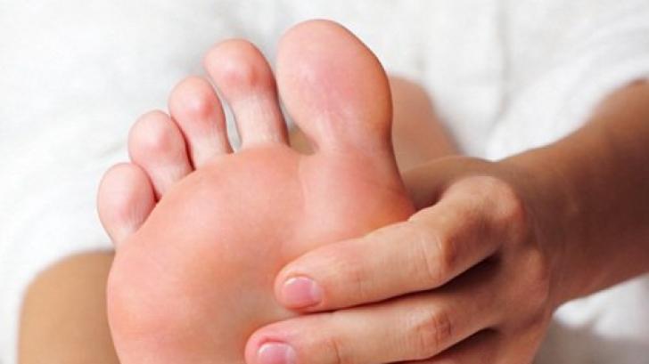 De ce miros urât, de fapt, picioarele? Adevărul pe care nimeni nu ţi-l spune
