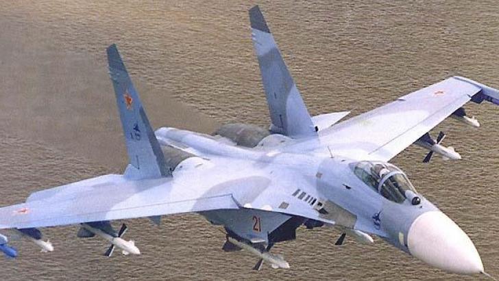 Incident aerian deasupra Mării Negre: avion rusesc de luptă, apropiere periculoasă de unul american