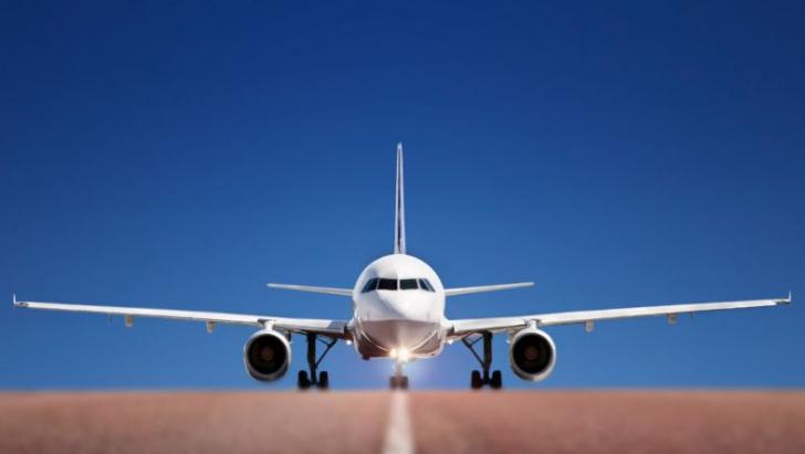 Cele 7 secrete despre zborul cu avionul pe care nicio stewardesă nu le-a dezvăluit până acum