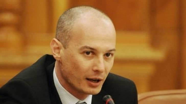 Bogdan Olteanu rămâne în arest la domiciliu, dar poate lua legătura cu părinţii şi fosta soţie