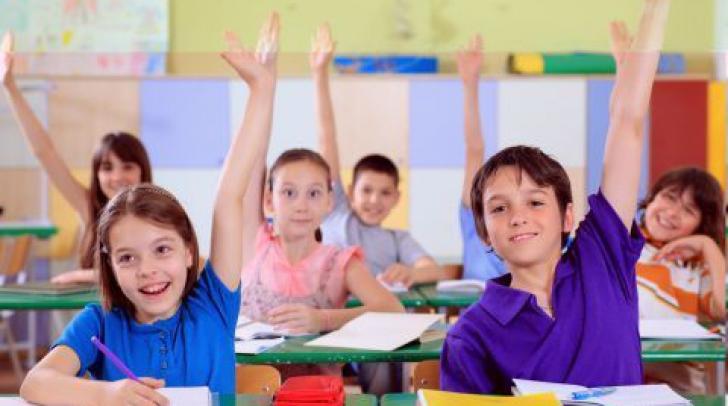 Câte săptămâni va avea anul şcolar 2016 - 2017 şi când se va termina?