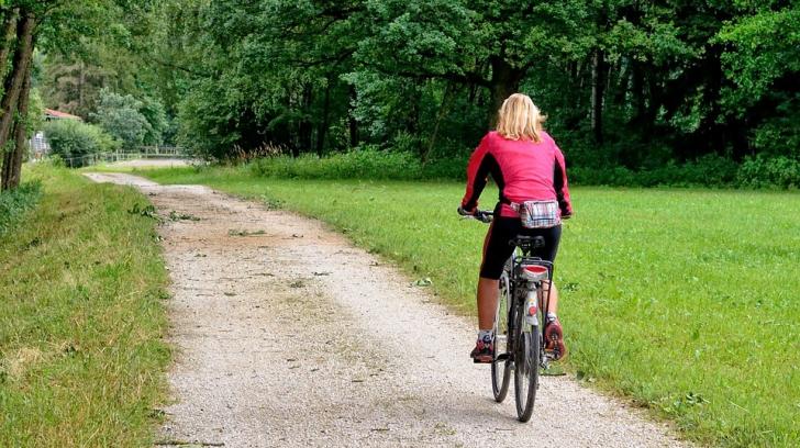 Invenţie inedită: airbag-ul pentru biciclişti! Cum funcţionează