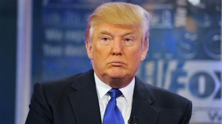 """Donald Trump, scos de pe scenă de agenţii secreţi. Un individ a strigat """"Armă!"""""""