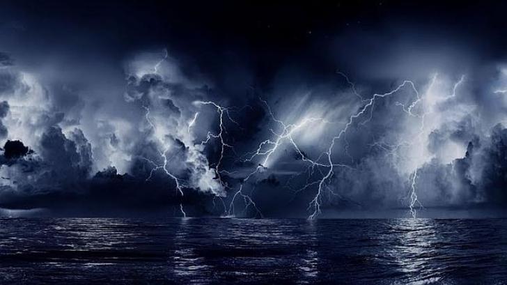 Imagini apocaliptice cu furtuni. Vine sfârşitul lumii?