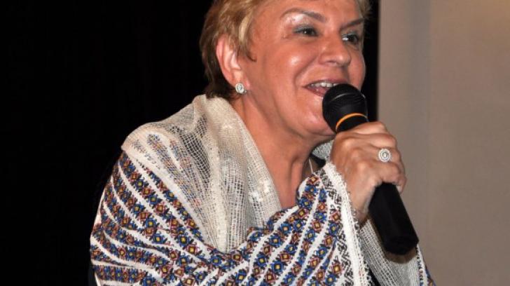 <p>Ionela Prodan</p>