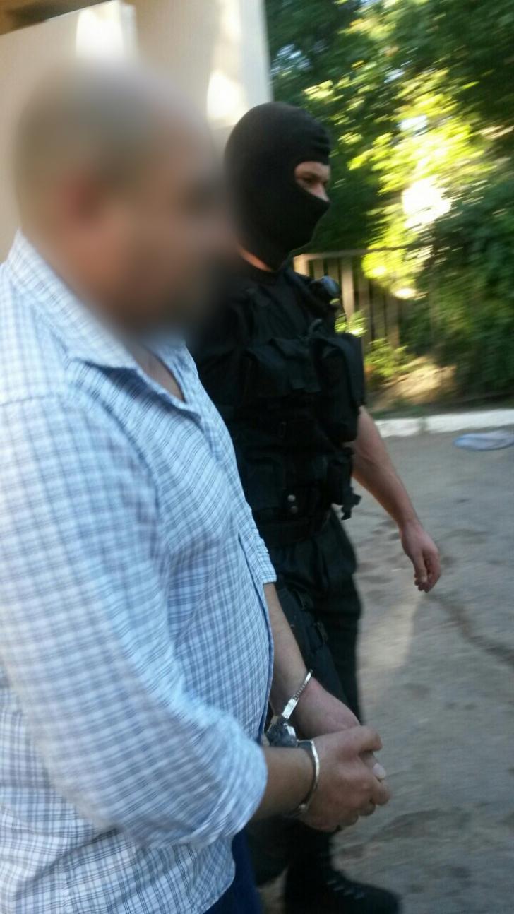 Doi militanţi jihadişti, reţinuţi în Republica Moldova. Ce s-a găsit la percheziţii