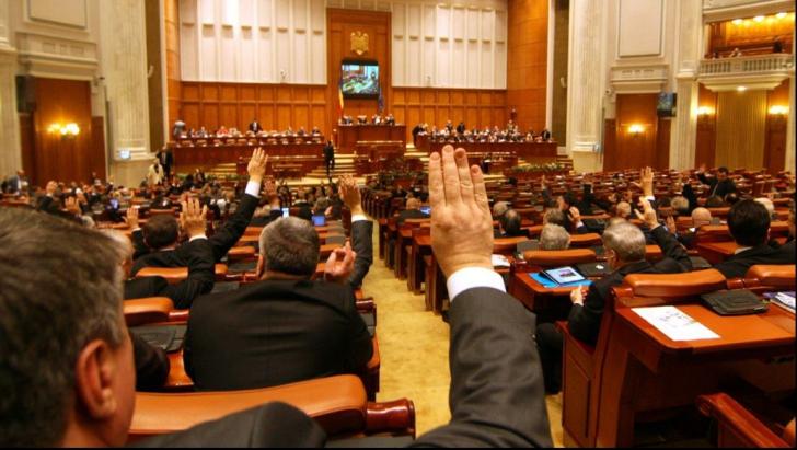 Legea care-i vizează pe aleșii ce şi-au angajat rudele în Parlament, la CCR. Cine sunt aceștia