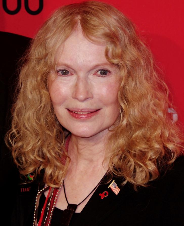 CUMPLIT! Fiul unei celebre actriţe a murit într-un accident de maşină. Avea doar 27 de ani
