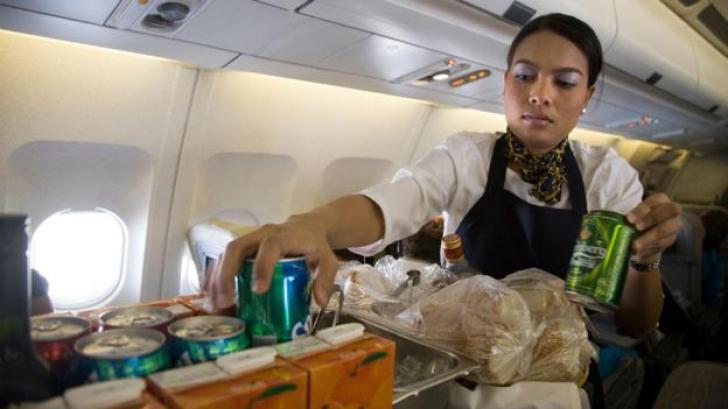 Dezvăluirea unei stewardese. Unde să nu stai vreodată în avion. Puțini știau asta