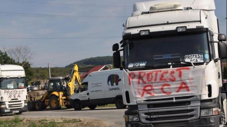 Transportatorii nu vor ca ASF să stabilească tarifele RCA pentru perioada de plafonare