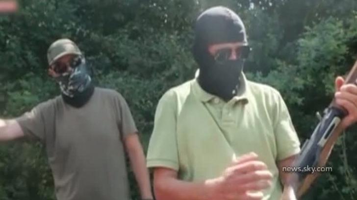 Cei trei români din reportajul Sky News rămân în arest preventiv