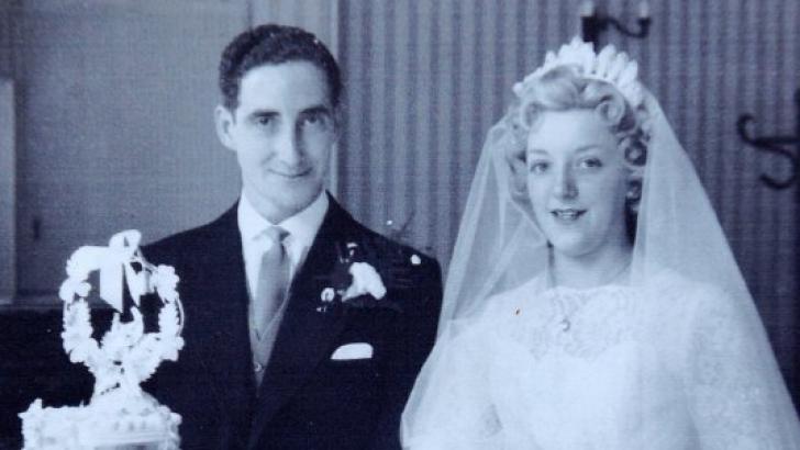 S-au cunoscut în autobuz şi au rămas împreună. După 60 de ani, bătrânul a făcut un gest uluitor!