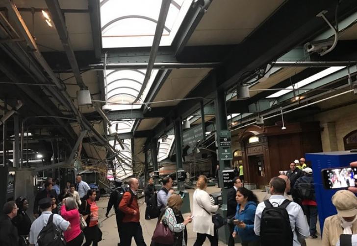 """Accident feroviar în Statele Unite: autorităţile se aşteaptă la ce e mai rău - """"zeci de victime"""""""