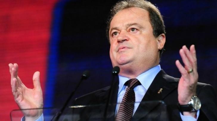 Vasile Blaga A DEMISIONAT din funcţia de co-preşedinte al PNL