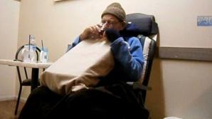 Sinuciderea unui bărbat aflat în fază terminală, filmată de familie. Atenţie, imagini şocante!