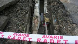 Avarie RADET. Peste 140 de blocuri, un liceu şi un SPITAL din sectorul 4, FĂRĂ apă caldă