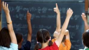 Elevii află astăzi câte ore îşi vor petrece făcând temele acasă