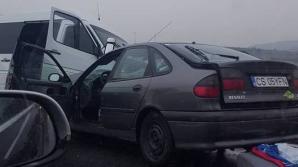 Microbuz, implicat într-un accident grav pe DN 1. Şase persoane rănite. A fost activat planul roşu