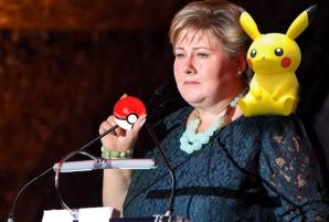 Primul ministrul norvegian, surprins în timp ce vâna Pokemoni în Parlament