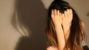Caz şocant la Timişoara! Fetiţă de 8 ani, agresată sexual într-o clădire a Poştei, de portar