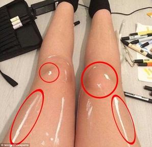 Această poză creează isterie pe reţelele de socializare: Ce este în neregulă cu aceste picioare?