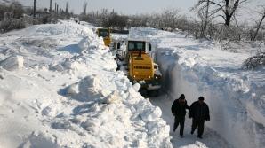 """""""Cea mai grea iarnă din ultimii 100 de ani"""" - Cum comentează meteorologii această previziune"""