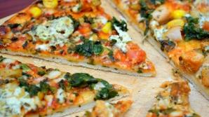 Atenţie! Pizza congelată din comerţ conţine multe E-uri, piele de porc și aromă de fum