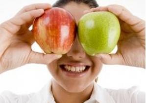 5 alimente benefice pentru ochi recomandate de Dr. Oz