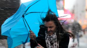 ALERTĂ METEO de ultimă oră: COD PORTOCALIU de ploi, COD GALBEN de vânt şi ninsori