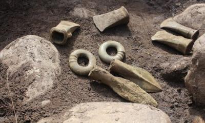 """Mormânt de peste 5000 de ani, cu podoabe şi obiecte """"extrem de rare"""", descoperit în Prahova"""