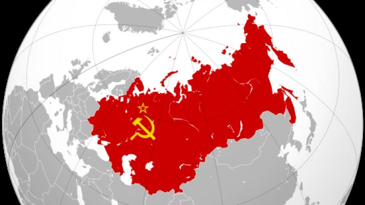 SONDAJ: Unul din doi moldoveni ar vrea înapoi în URSS