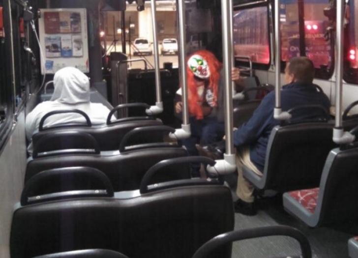HORROR! Cele mai ciudate lucruri care s-au văzut în mijloacele de transport în comun