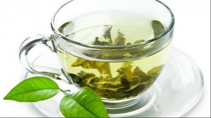 Ştiai că poţi face ceai de busuioc? Acest tratament naturist te scapă de zeci de boli!
