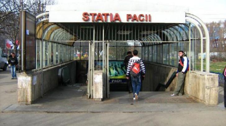 Tragedie la staţia de metrou Păcii. Un Bărbat a murit după ce a alunecat pe scări