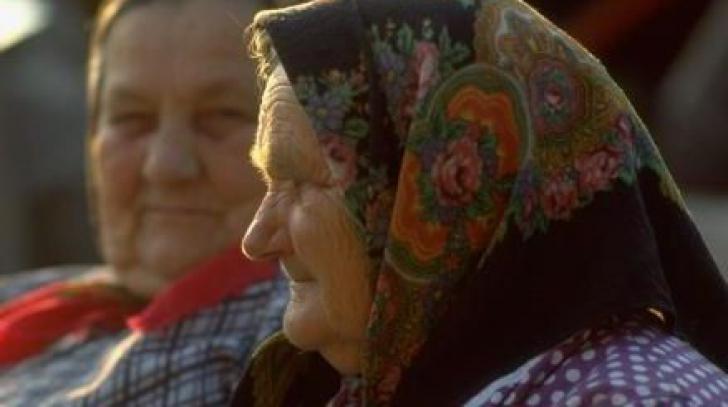 O femeie de 80 de ani din Vaslui riscă închisoarea. Un bărbat a vrut să o violeze, ea s-a apărat