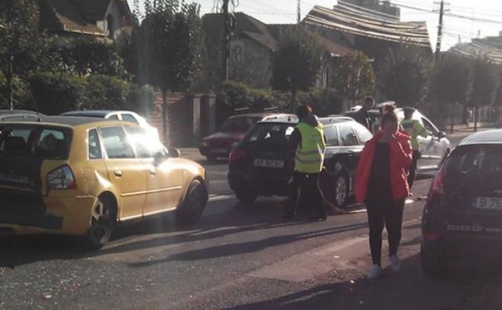 Accident în lanţ în Alba Iulia. Carambol între patru maşini