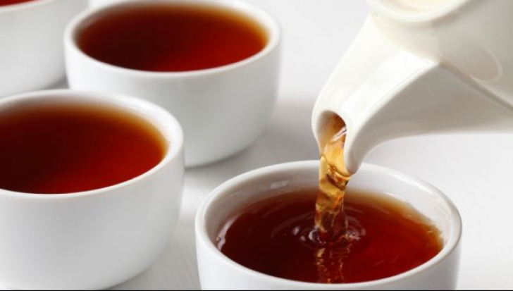 10 ceaiuri care nu au voie să lipsească din casă pe durata iernii