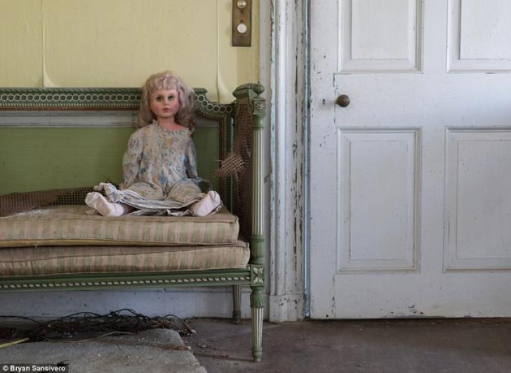 Imaginile care te vor bântui toată viaţa! Ce au descoperit într-un conac abandonat în anii '70