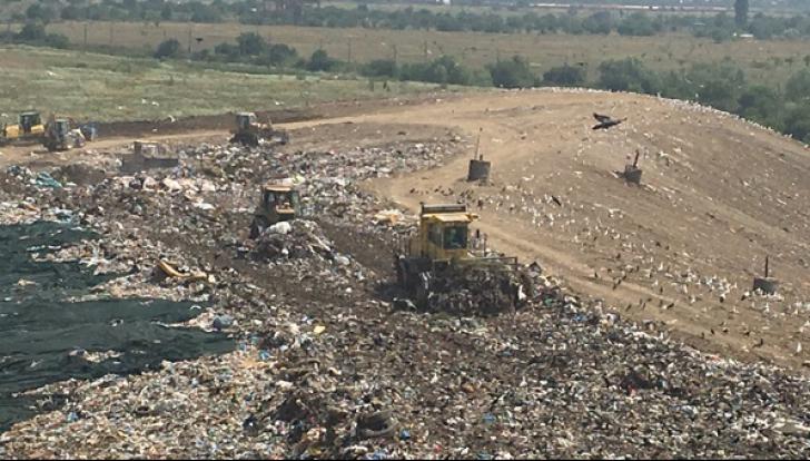 Comisia UE dă în judecată România pentru că nu a adoptat măsurile asumate privind gropile de gunoi