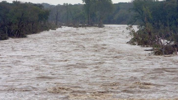 COD PORTOCALIU şi GALBEN de inundaţii în judeţele Vaslui şi Bârlad