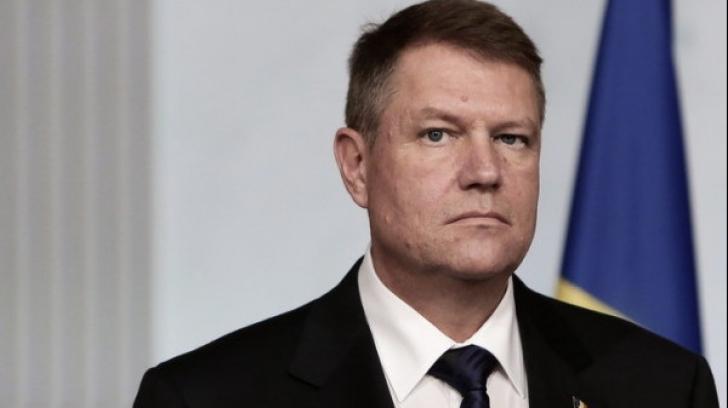"""Băsescu şi cultura. Fostul preşedinte îl acuză pe Klaus Iohannis de """"mârlănie"""""""