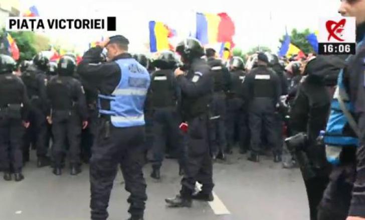 Violențe la marșul pentru unirea R. Moldova cu România. Min. de Interne cere Jandarmeriei un raport